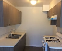 Kitchen, 10235 Darby Ave