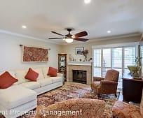 Living Room, 2067 Lakeridge Cir
