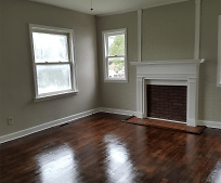 Living Room, 1009 Meadow Ln