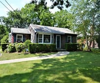 12 Halsey Ave, East Quogue, NY