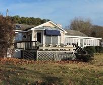 8679 Ware View Ln, Gloucester, VA