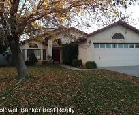 704 Silver Oak Dr, Tehachapi, CA