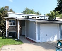 230 Parkside Ln, West Lincoln, Lincoln, NE