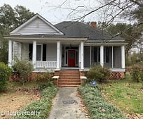 218 E 2nd Ave, Red Springs, NC