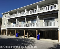 608 W Brown St, Southport, NC