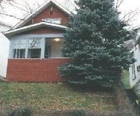 132 Lorentz St, Westover, WV