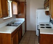 Kitchen, 109 Westridge Dr