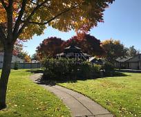 1056 Colony Pond Dr, Goodpasture Island, Eugene, OR