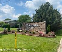 16W705 Mockingbird Ln, Willowbrook, IL
