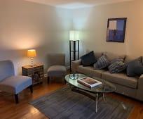 Living Room, 2727 Highland Ave