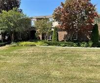 323 Shellbourne Dr, Meadow Brook Elementary School, Rochester Hills, MI