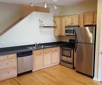 Kitchen, 355 Kenilworth Rd