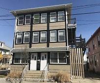 Building, 225 E Cresse Ave