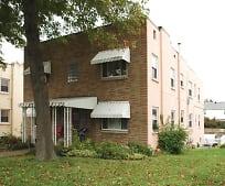 804 Kanawha Blvd E, Sacred Heart Grade School, Charleston, WV