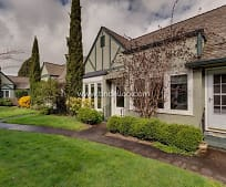 1411 SE 30th Ave, Maywood Park, OR