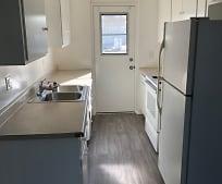 Kitchen, 2702 Florida St