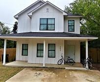 203 Foch St, Oak Terrace, Bryan, TX