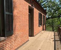 Building, 7716 Bluff Rd