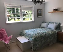 Bedroom, 2524 N Randolph St