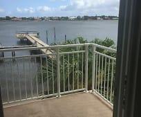1100 S Lake Dr, Lantana, FL