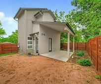 2115 Uphill Ln, Camp Swift, TX