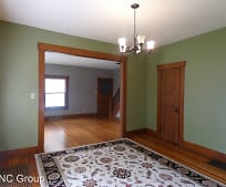 326 E 2nd St, Newton, KS
