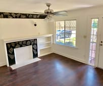 5735 Ruthelen St, Chesterfield Square, Los Angeles, CA