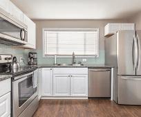 Kitchen, 258 NW Hillcrest Dr
