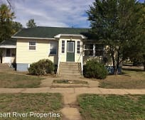 504 5th St W, Dickinson, ND