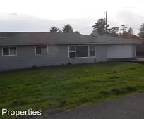 425 Memory Ln, Brookings, OR