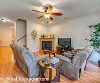 Living Room, 2682 Blossom Trail E