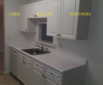 Kitchen, 150 Plymouth Dr
