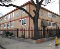 404 W Oak St, 95203, CA