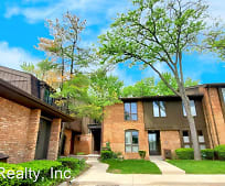 1090 Greenhills Dr, Earhart Village, Ann Arbor, MI