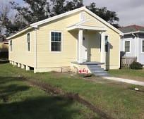 Building, 6332 Mandeville St