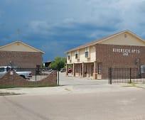 1802 S Zapata Hwy, 78046, TX