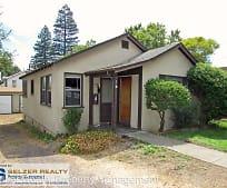 107 S Pine St, Ukiah, CA