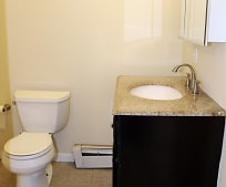 Bathroom, 934 Capouse Ave