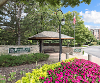 511 Aurora Ave, Lincoln Junior High School, Naperville, IL