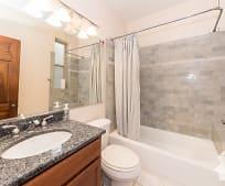 Bathroom, 850 W Wellington Ave
