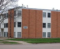 304 E Main St, Vermillion, SD