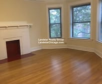 Living Room, 858 W Lawrence Ave
