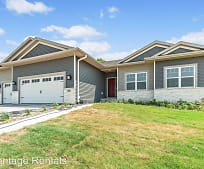 572 Fawn Ave, Marion, IA