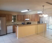1104 Waterview Dr, Palm Springs, FL