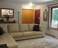 Living Room, 7377 Forest Dr