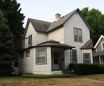 456 Crescent St NE, Grand Rapids, MI