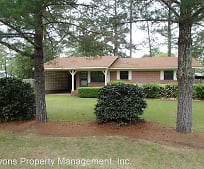 619 Lakeview Dr, Moultrie, GA