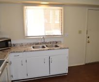 Kitchen, 131 N Lincolnway St
