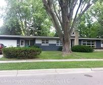 702 Hubert St, Edgerton, WI