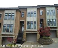 Building, 752 Delta Ave